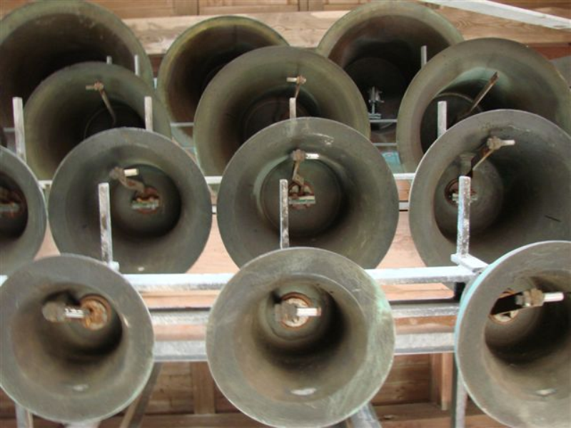 Carillonklokken van het Carillon van Hasselt zonder klepels