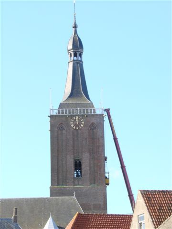 Hijswerk van de nieuwe onderdelen van het Carillon van Hasselt