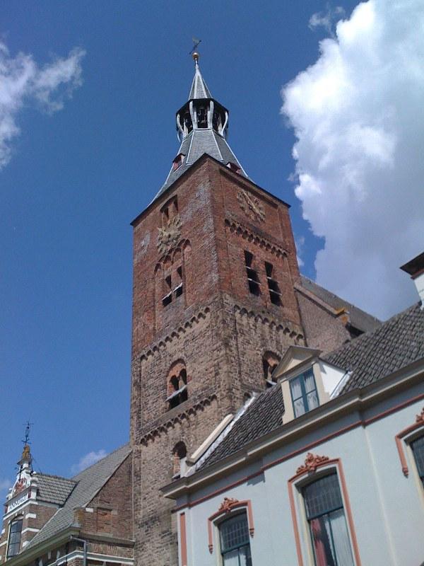 Toren van de Grote Kerk Hattem met Carillon